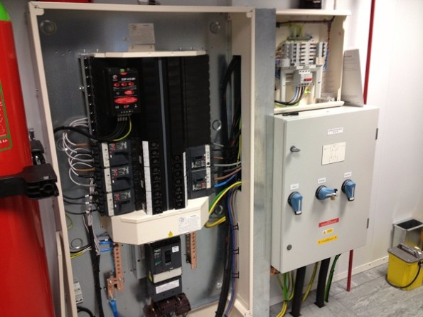 Data Centre Installation of MPDU
